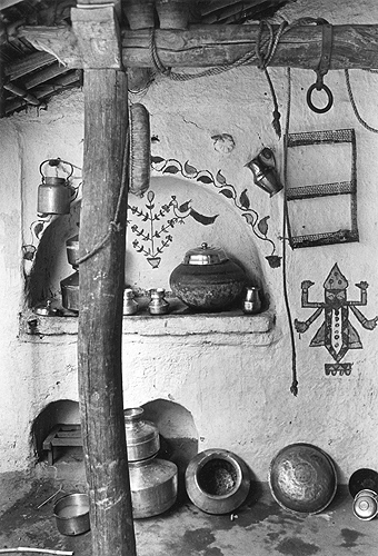 Bhupendra Karia, Painted Wall with Brass Pots, Dewat, 1969