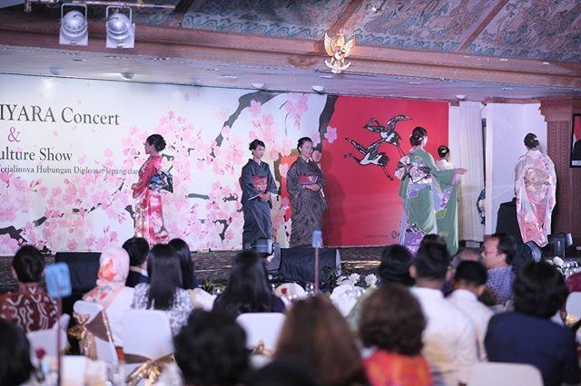 Kimono fashion show by Kyomei dan Ushida Orimono, yang menampilkan berbagai macam pakaian tradisional Jepang yang cantic dan elegan
