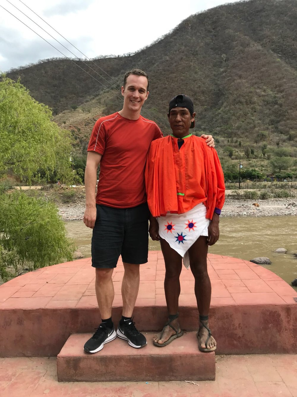 Arnolfo, the winner of the race in  Born to Run , and I have slightly different attire.  Check out his shoes compared to mine!
