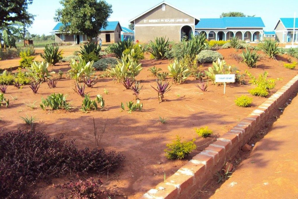 School and farm, Irundu