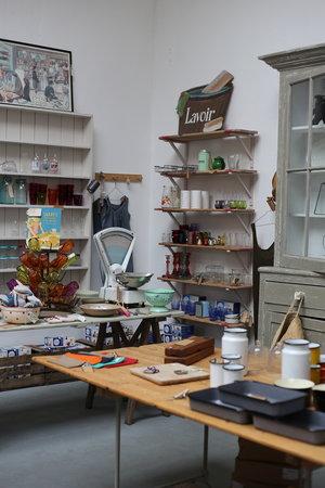 Shop20.jpg