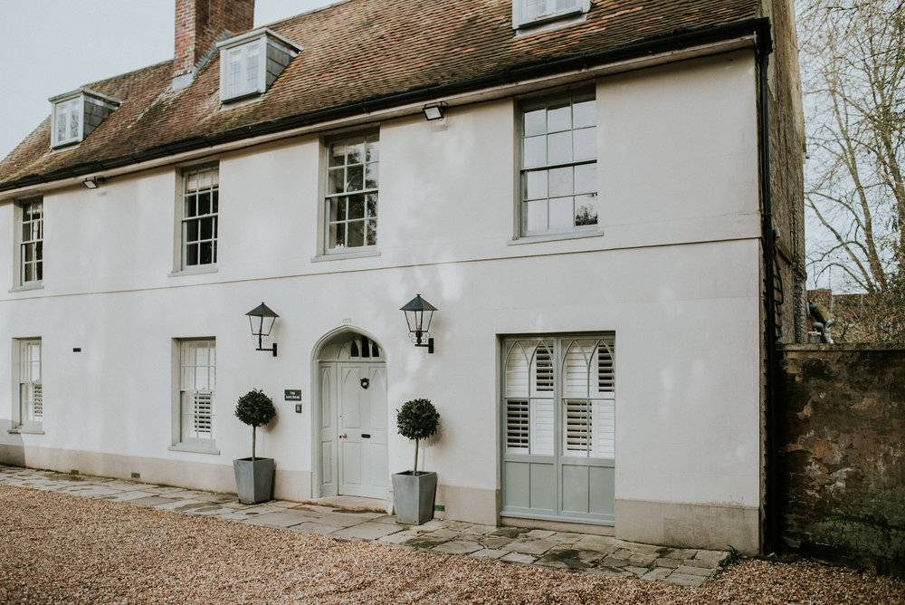 *01 101-deanscourt_gatehouse(C)EmmaDavenport.jpg