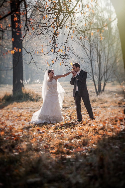 Jesienny plener ślubny Swierklaniec (12).JPG
