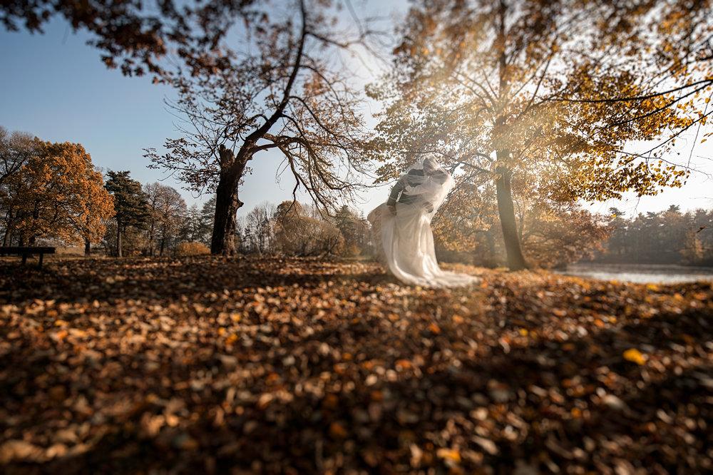 Jesienny plener ślubny Swierklaniec (14).JPG