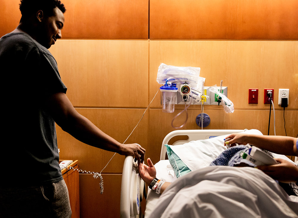 husband-support-during-labor.jpg