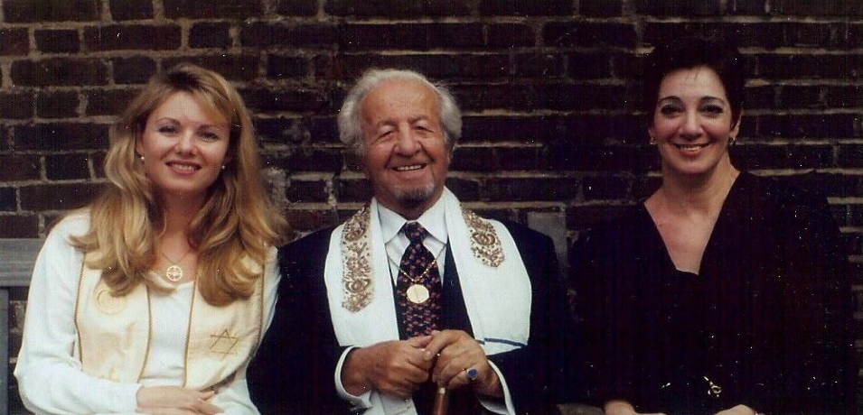 Miranda Macpherson, Rabbi Gelberman & Diane Berke at the first ordination ceremony held in the UK, St James Church Piccadilly, 1998