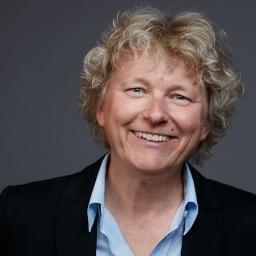 Pernila Huwald, Volljuristin Schwerpunkte: Coaching, Teamentwicklung