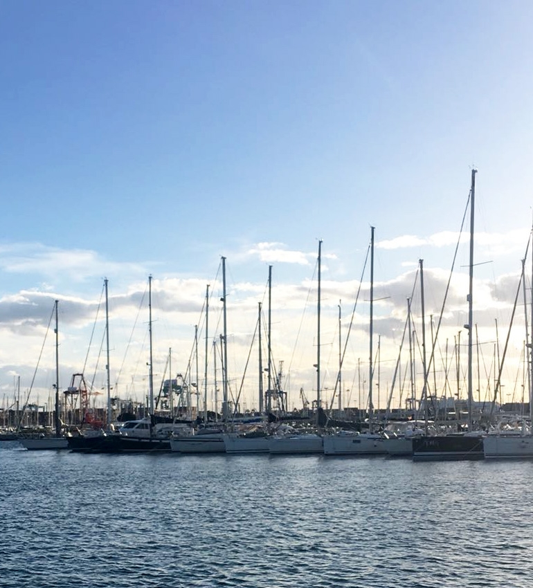 Puerto de València, where the sailboats of Traslatio 21 will dock.