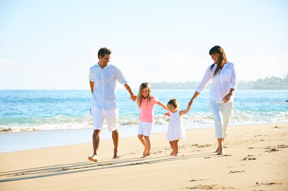 Family_77e694f56baeff0d7e947939d2589cac.jpg