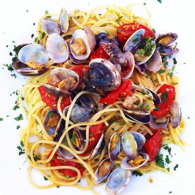 Spaghetti_vongole concord nh food italian.jpg