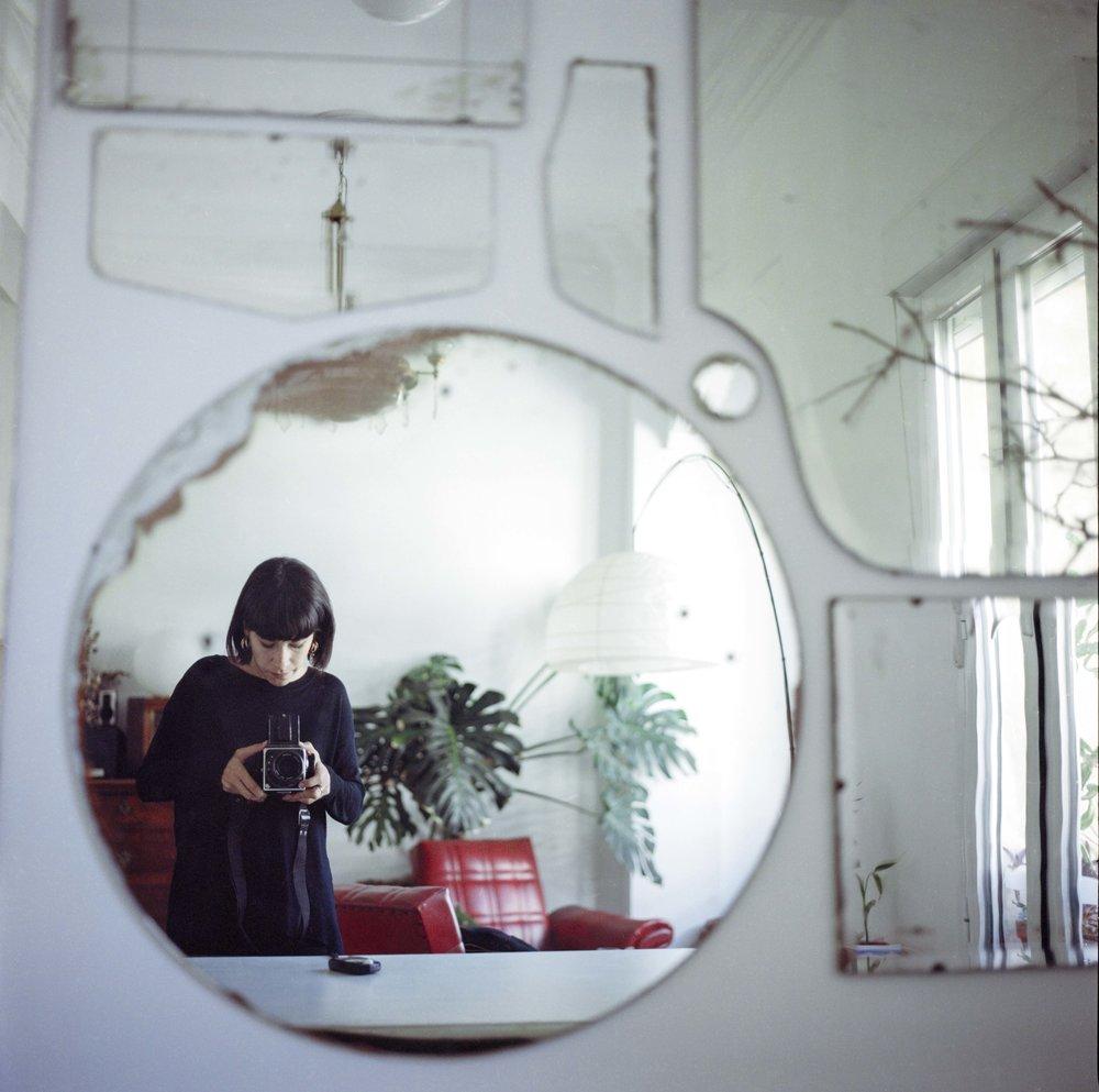 AdaCerdá_hasselblad_selfportrait copia.JPG