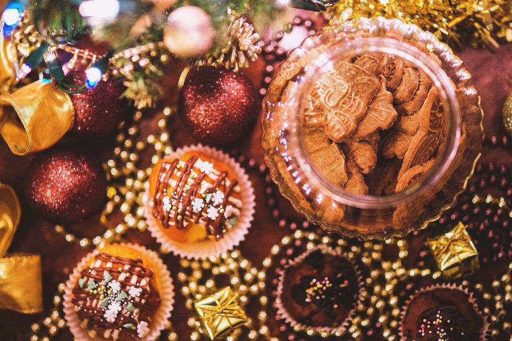 food-sweet-cookies-christmas.jpg