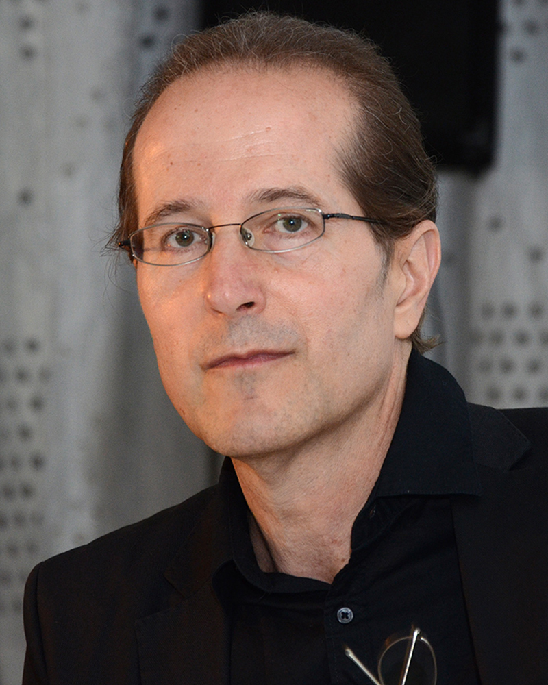 Alexander Alberro