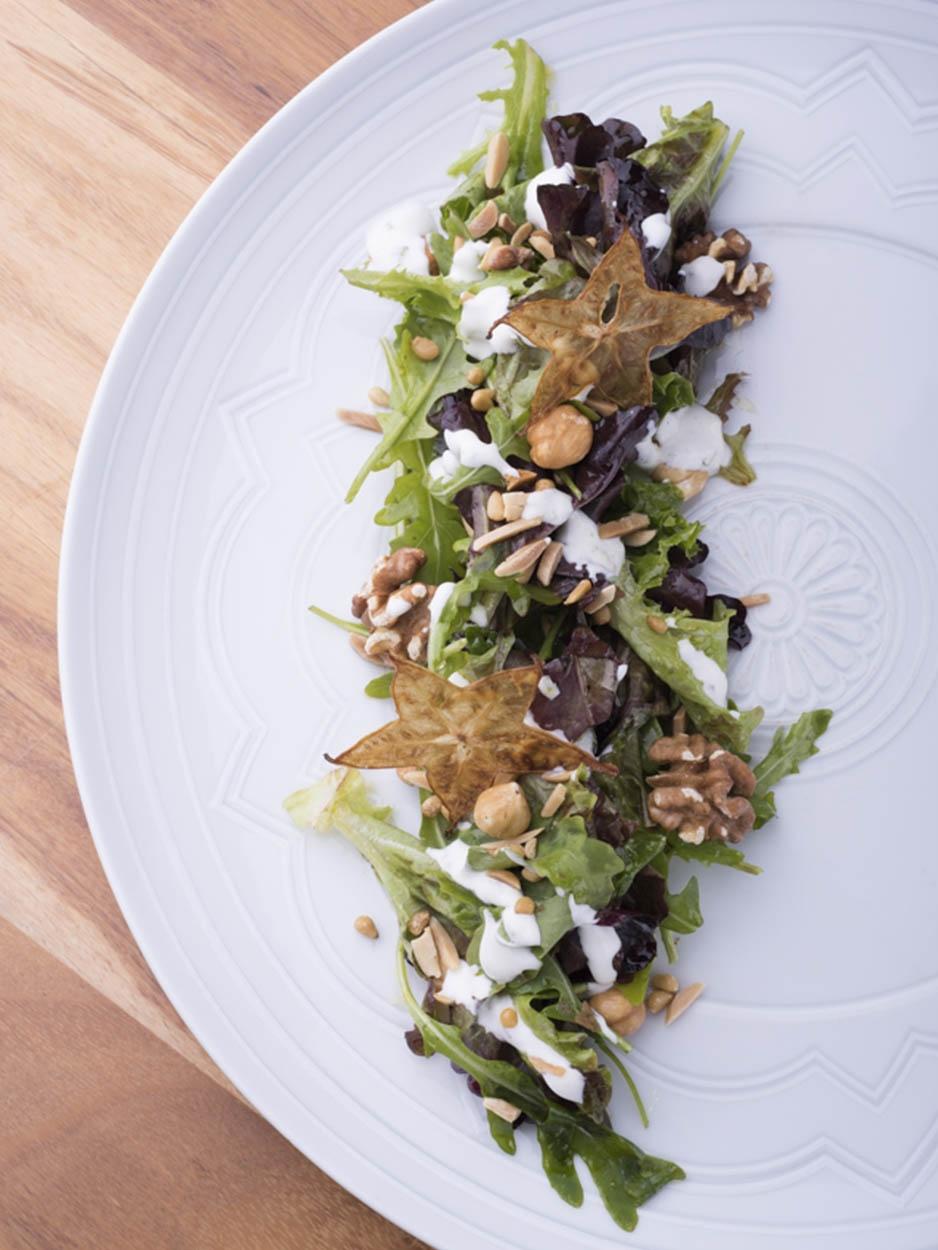Salada de queijo fresco com frutos secos - Ano 2017