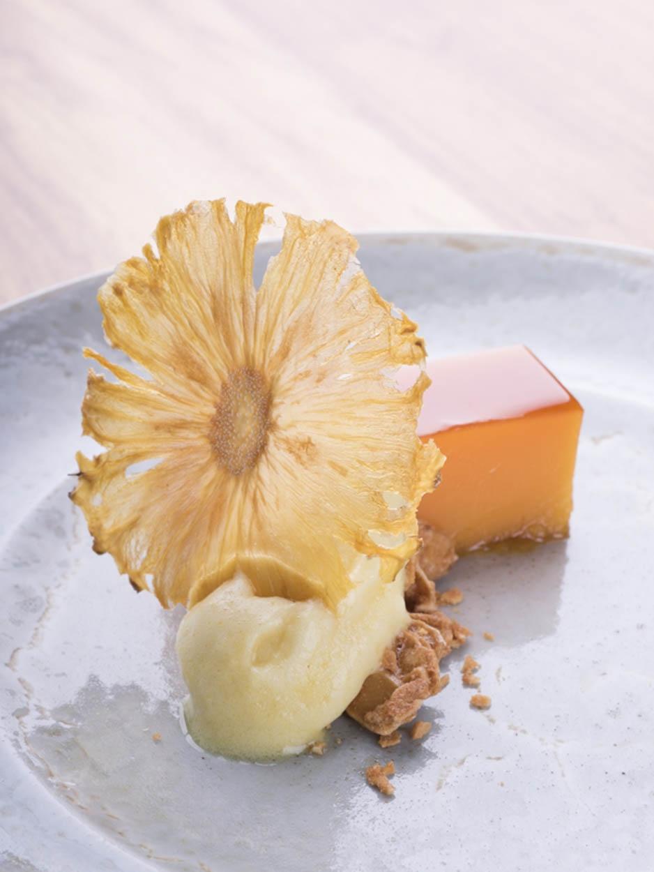 Pudim Abade d'Priscos com sorvete de ananás dos Açores - Ano 2017
