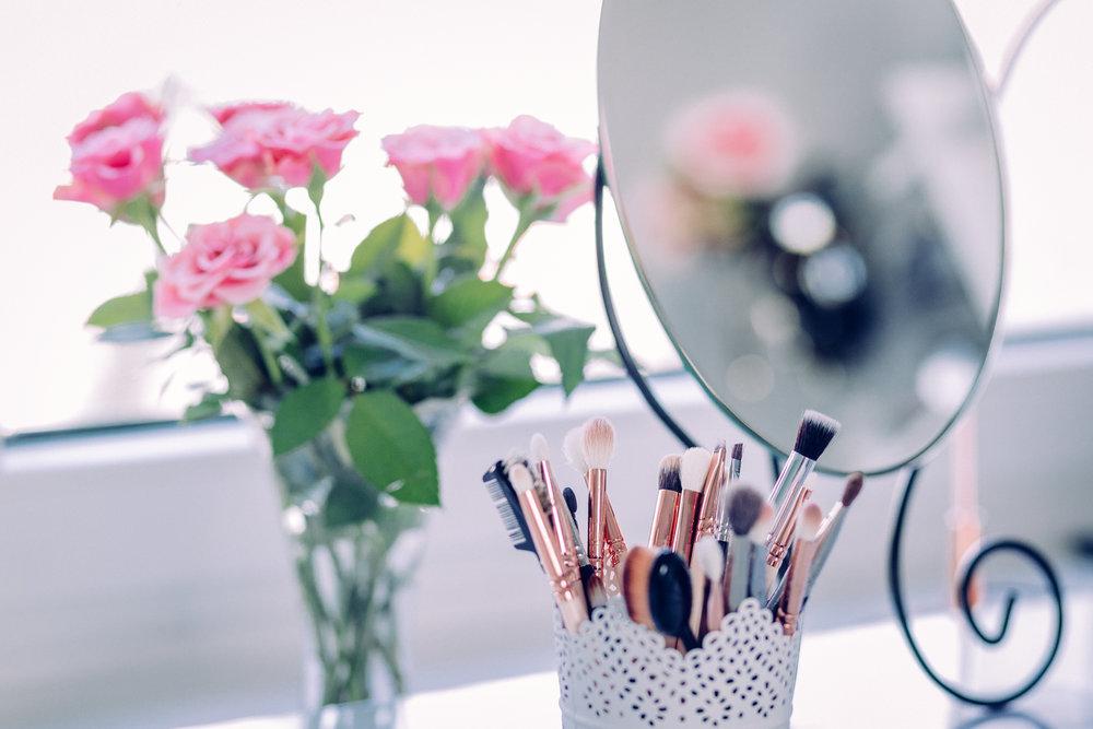 hair & makeup -