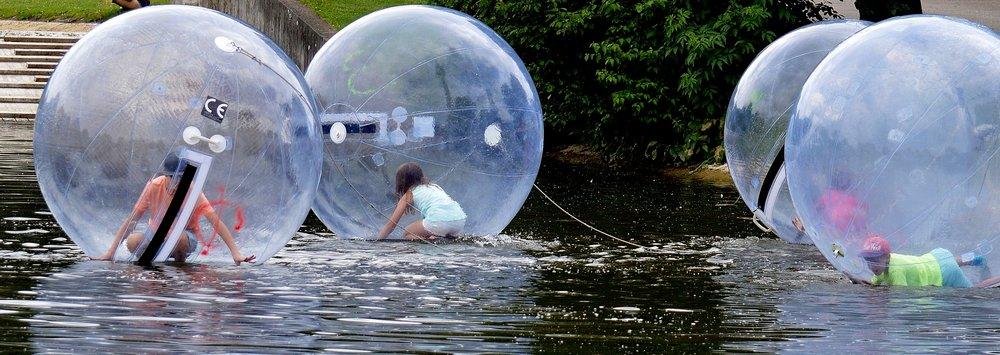 water-balloons-3285487.jpg