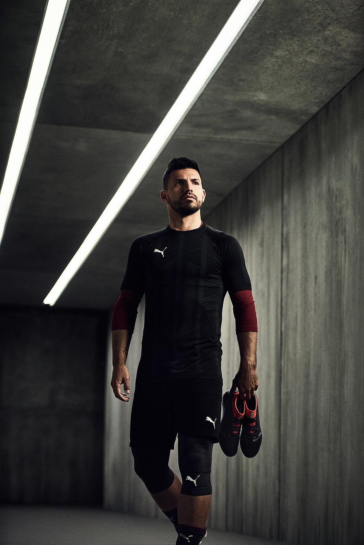 18SS_TS_Football_PUMAONE_Q1_Portrait_Aguero_HoldingBoot_0951_A2.jpg