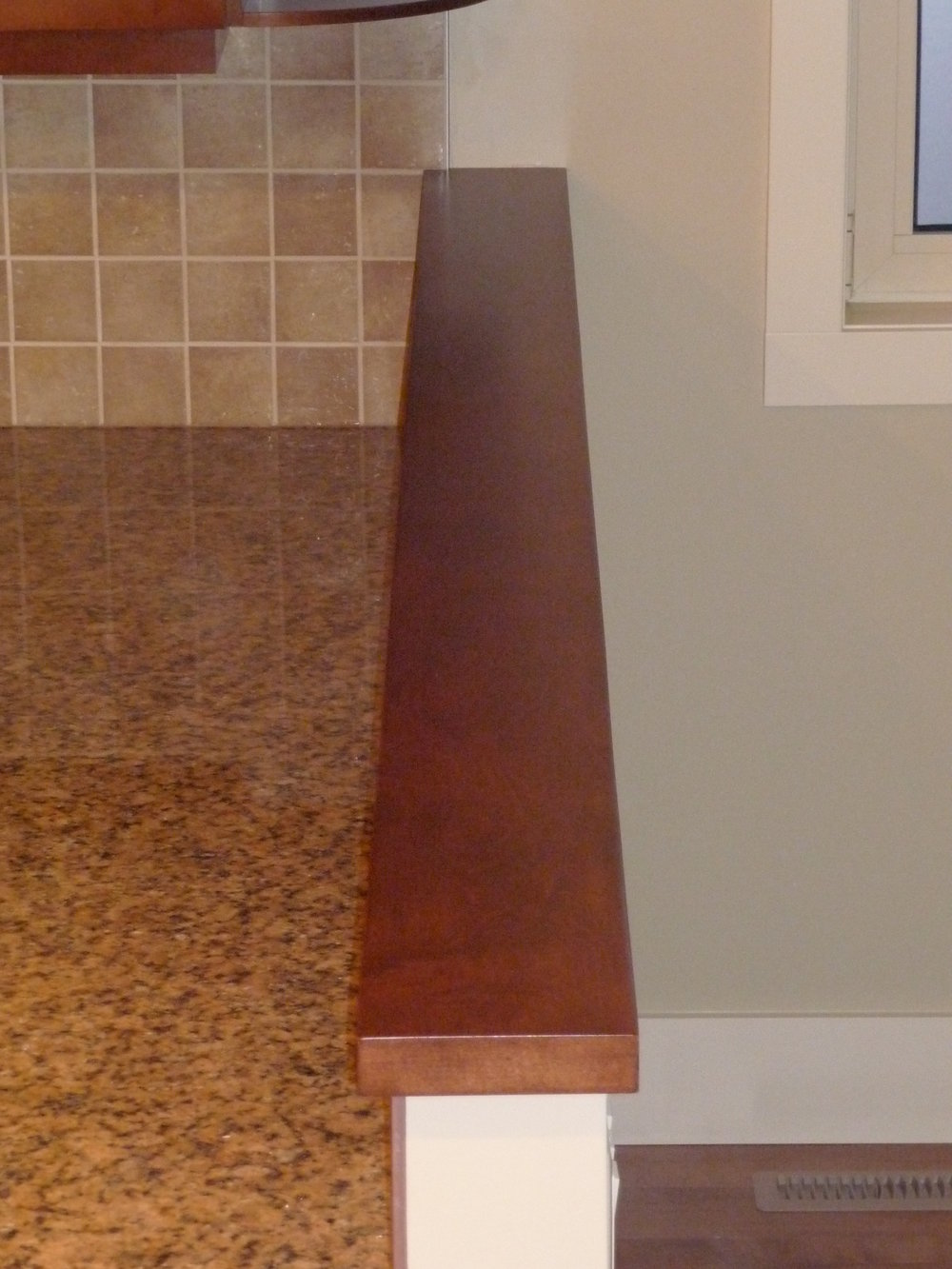 wall cap and mantle 09.JPG