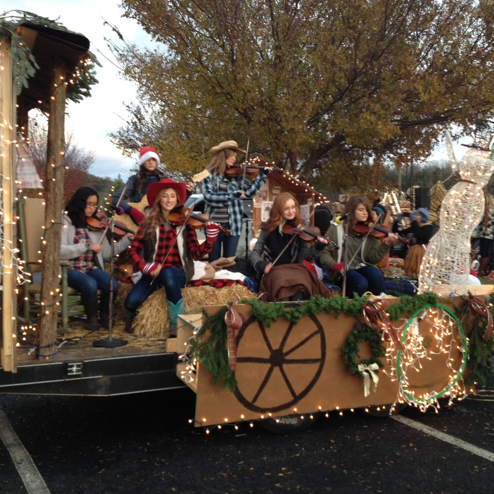 Holiday float performance