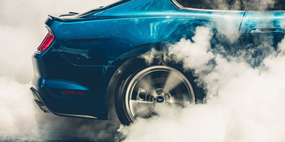 2018-ford-mustang-gt-burnout.jpg