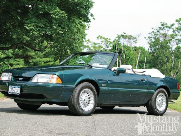 1990-ford-mustang-convertible-limited-edition.jpg