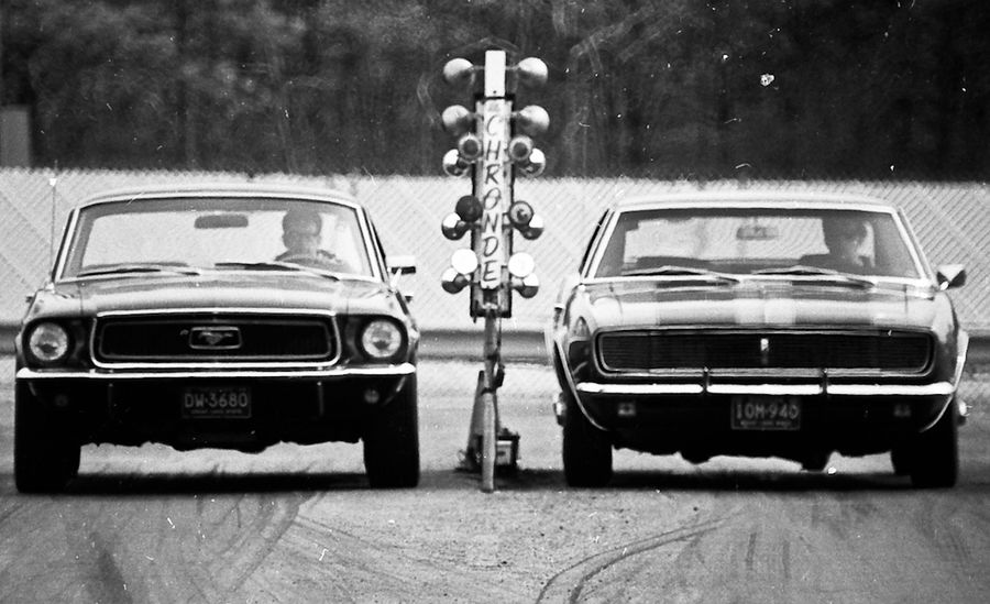 1968-ford-mustang-vs-chevrolet-camaro.jpg