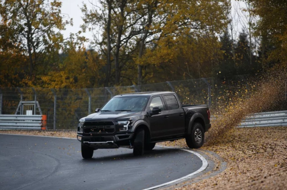 2018-ford-raptor-nurburgring.jpg