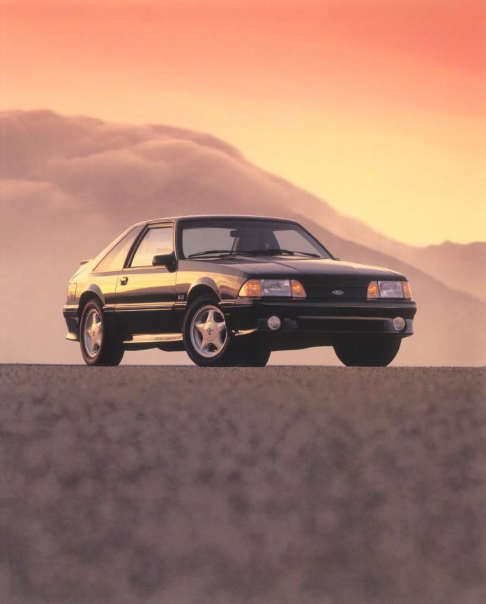 1992-ford-mustang-brochure-03.jpg