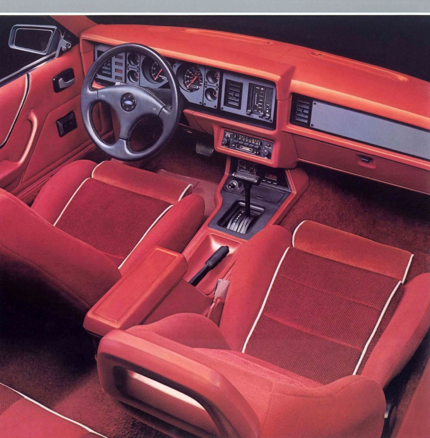 1986-ford-mustang-brochure-06.jpg