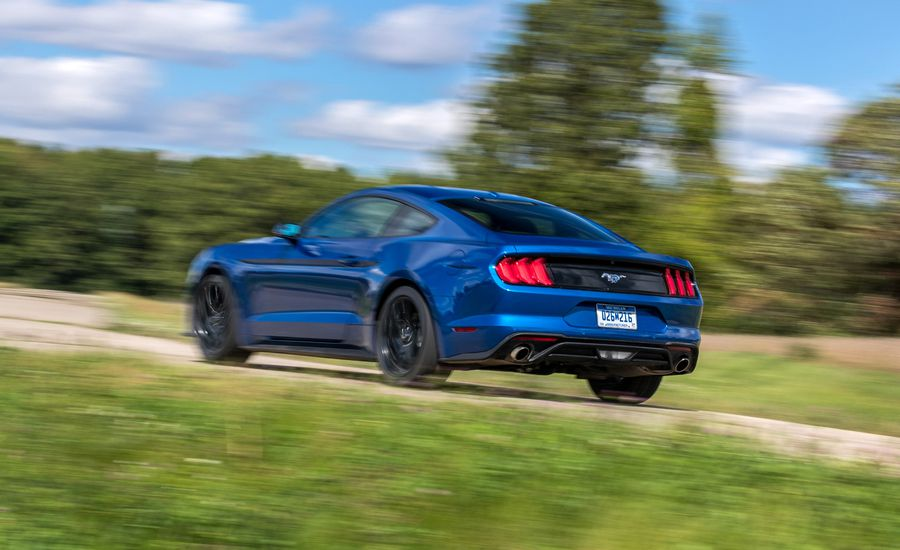 2018-ford-mustang-ecoboost-automatic.jpg