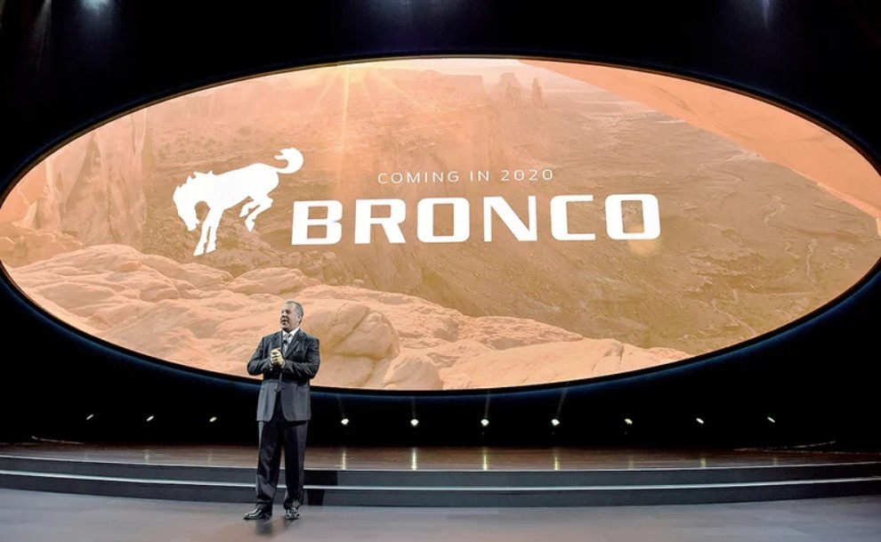 2020-ford-bronco-teaser.jpg