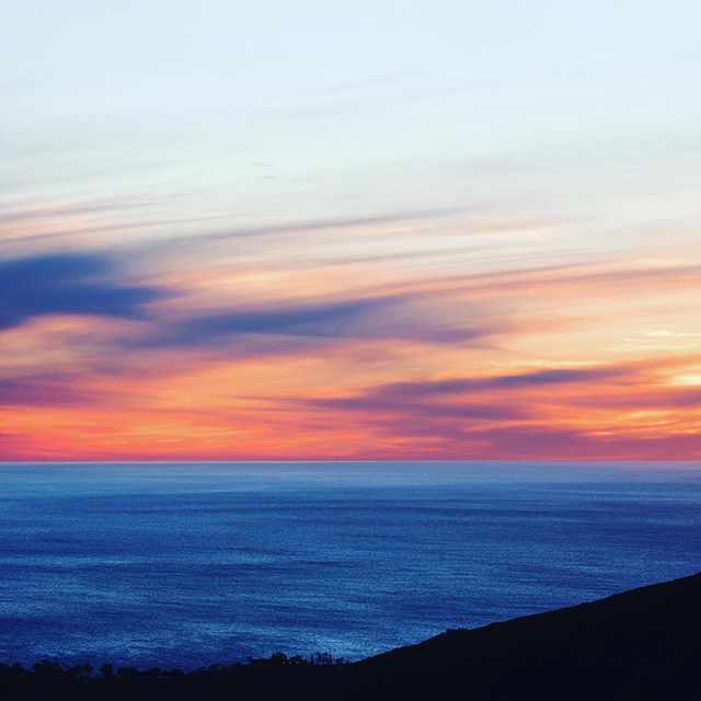 This weekend catch a sunset and add some color to your life. 📷: @champagne.la #welovela #sunsetporn #wcplusa