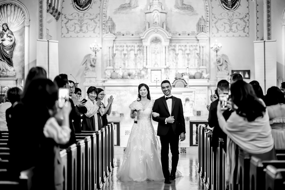 A traditional Catholic wedding for two southern California natives in Glendale