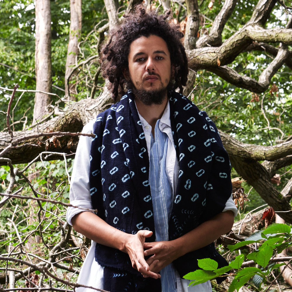 Mo Kolours - Mo Kolours is a half-Mauritian, half-English producer, singer and percussionist. Mo draws on a wide range of musical influences and describes his use of percussion as