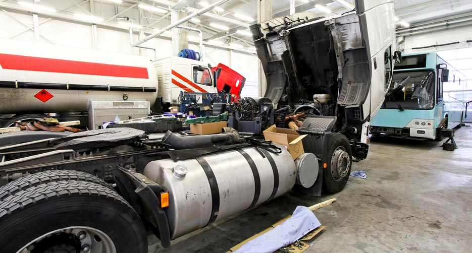 Heavy Vehicle and Mobile Equipment Service Technicians -