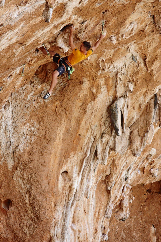 Labyrinth 8a+, Jurassic Park, Kalymnos.  Photo: Simon Kincaid