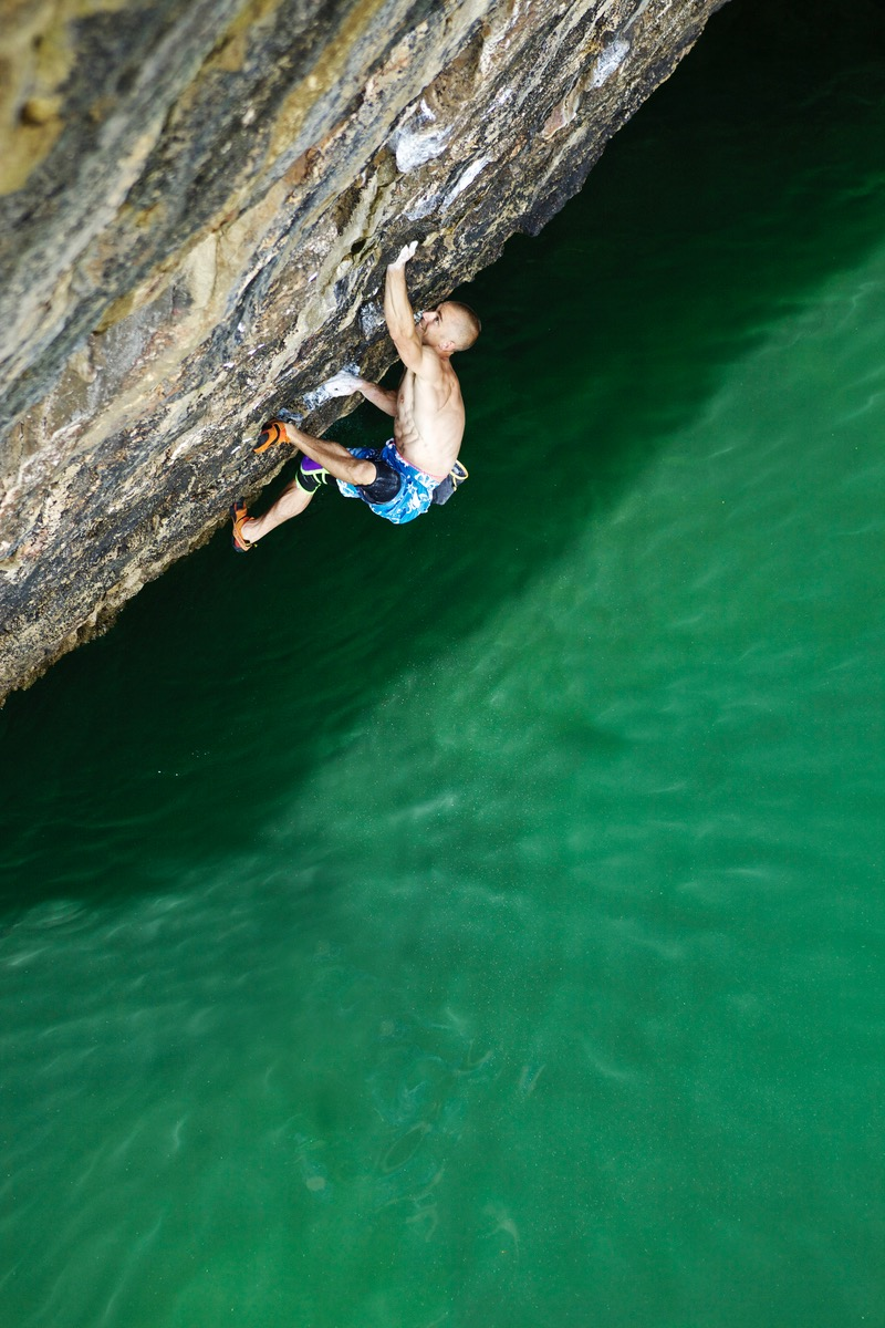 Olympiad 8b, Pembroke. First ascent in 2012  Photo: Lukasz Warzecha