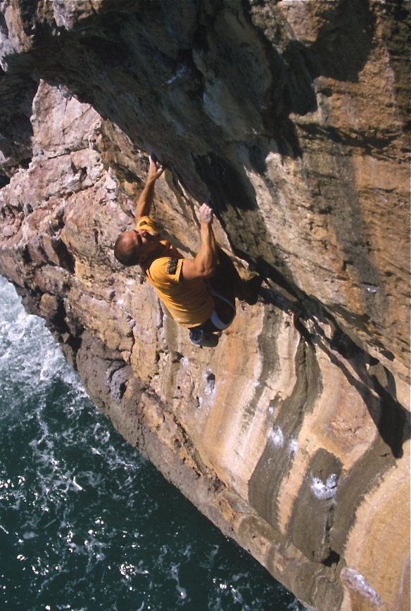 Cutlass 8a. Berry Head, Devon. First ascent (ground-up)  Photo: Mike Robertson