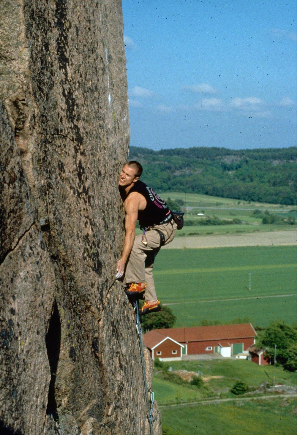 Post Modern Arete E6 6c, Halle. First ascent in 1999.  Photo: Gresham collection