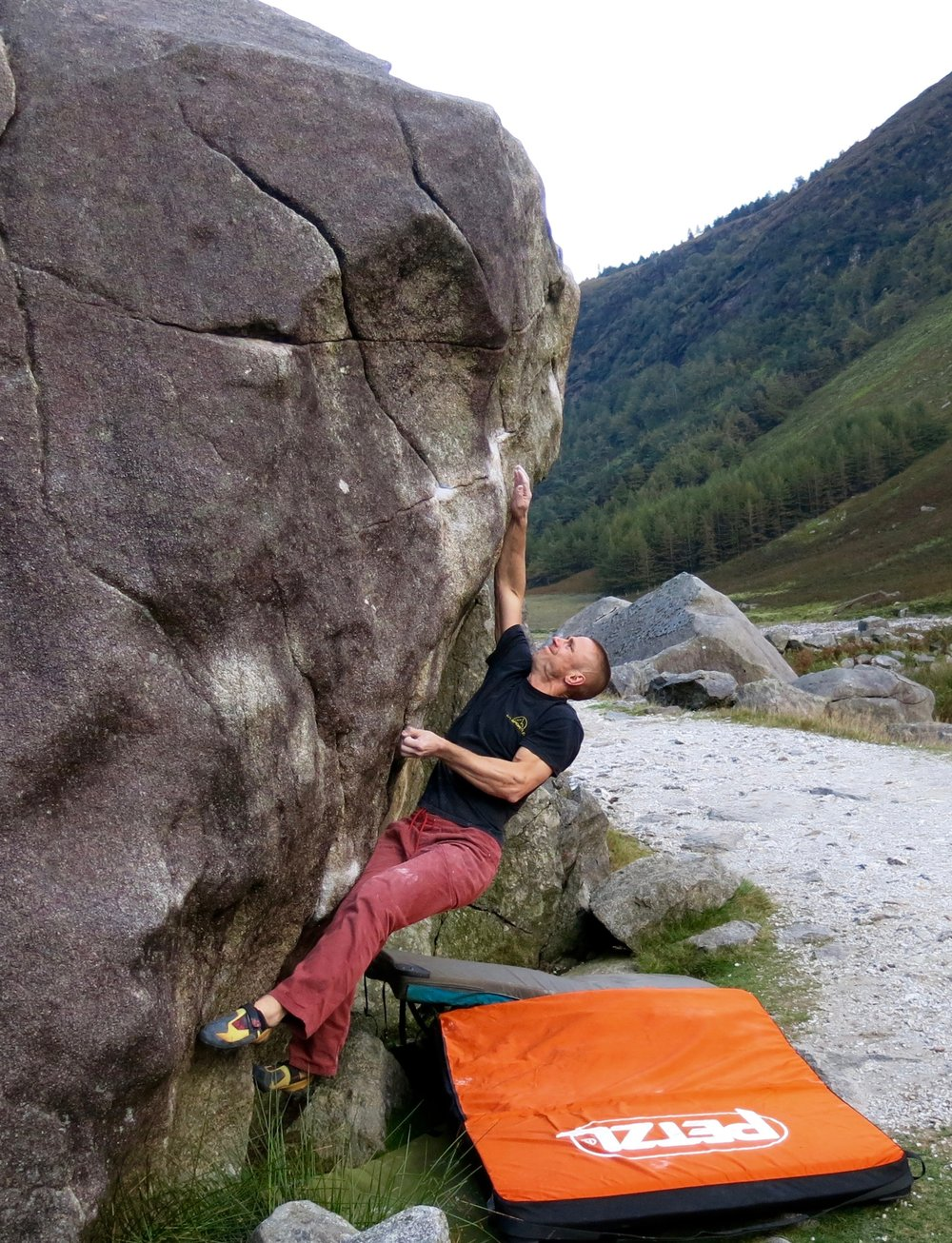 Bouldering at Glendalough in Ireland in 2016 with the Cirro pad.