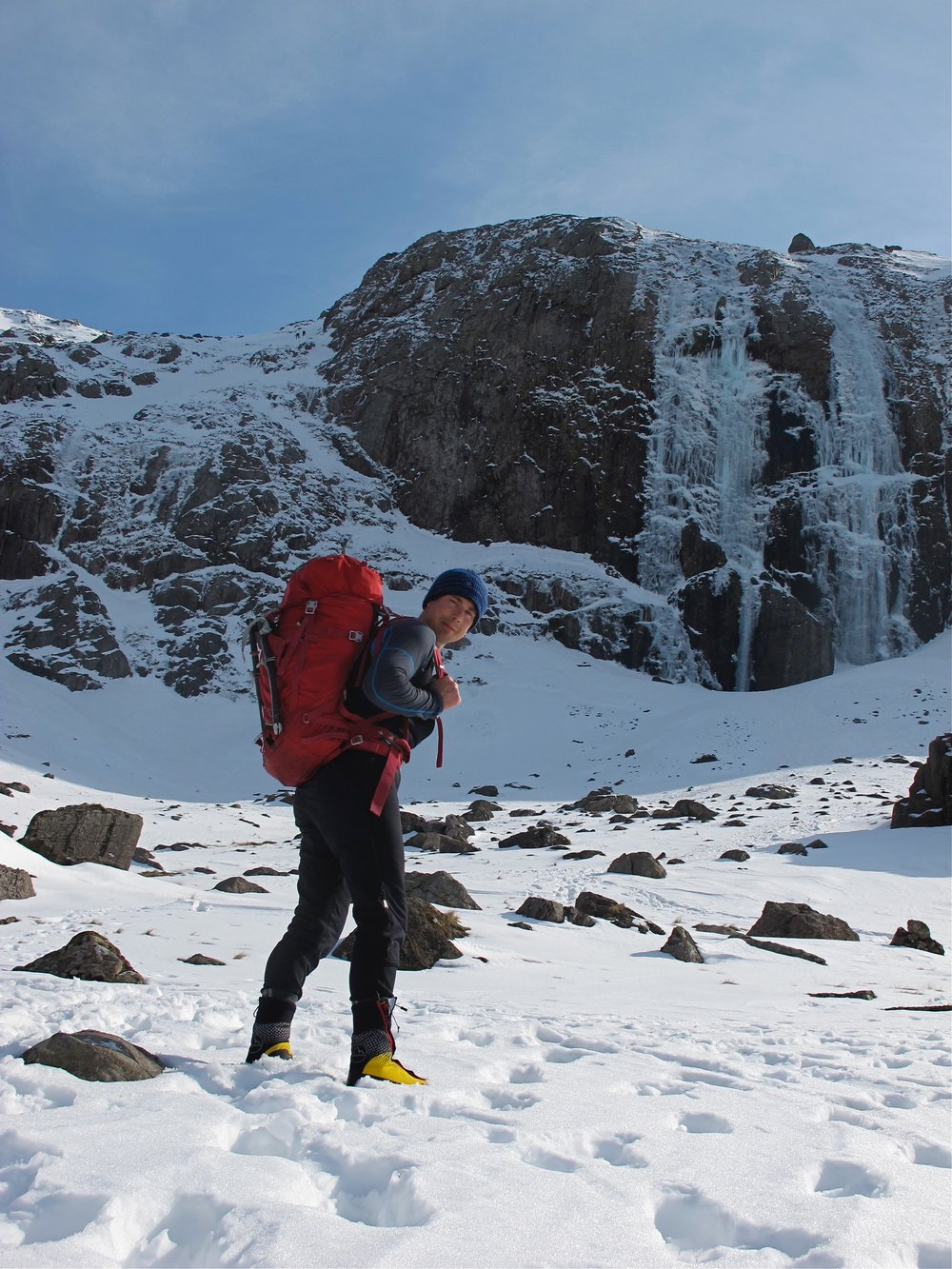 Approaching Central Icefall Direct VI 6, during the Welsh Triple Crown, 2013.jpg