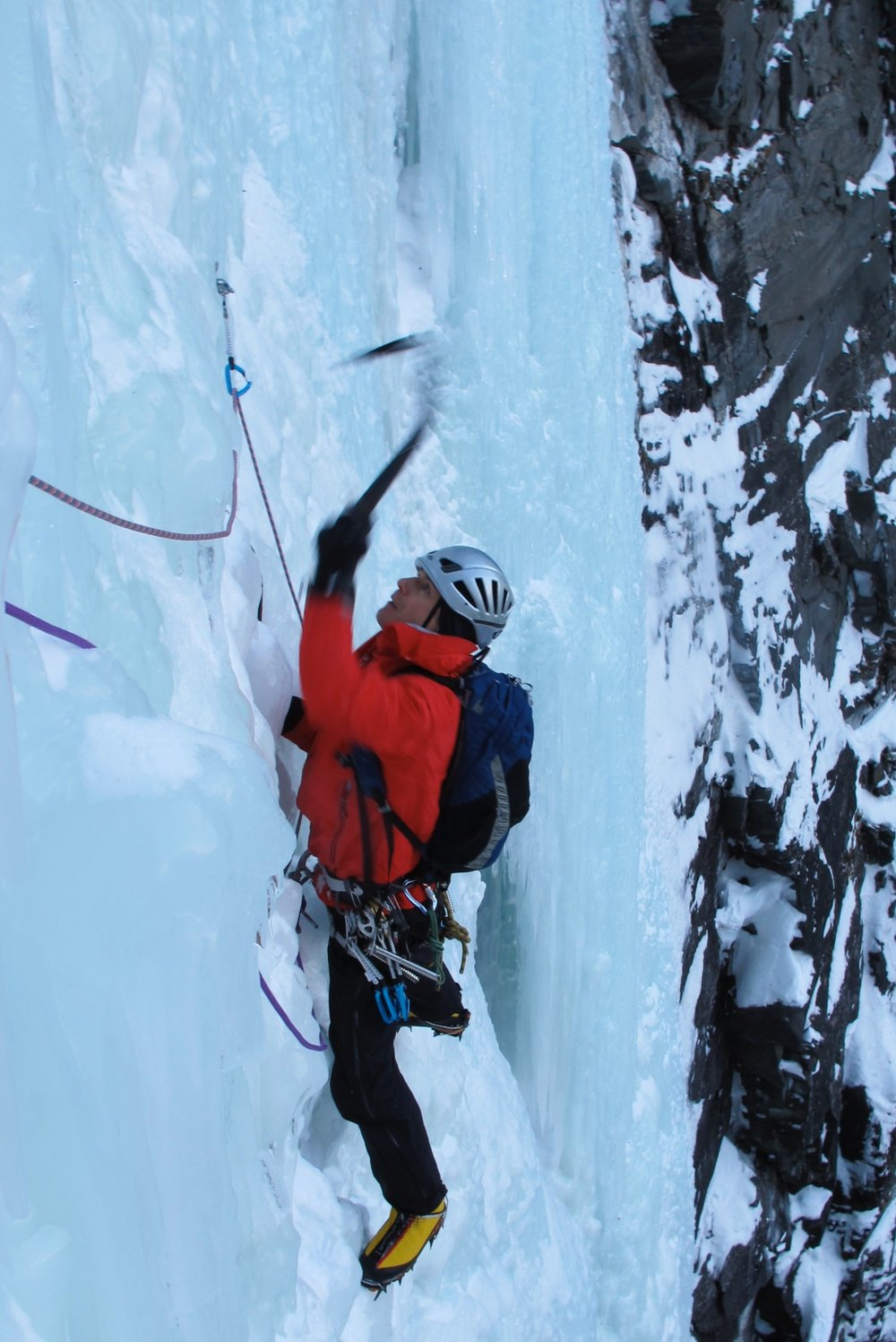 Pushing the Escapist 20 pack to its limit in Arctic Norway on Ormadelfossen WI 6.