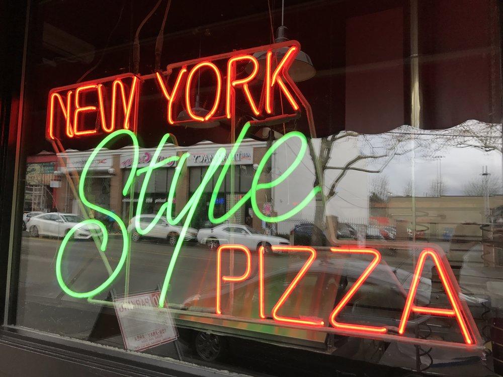 Cap Hill_NY Pizza.JPG