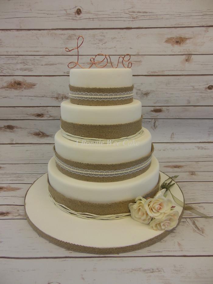 A Wee Bobbie Cake 3.jpg