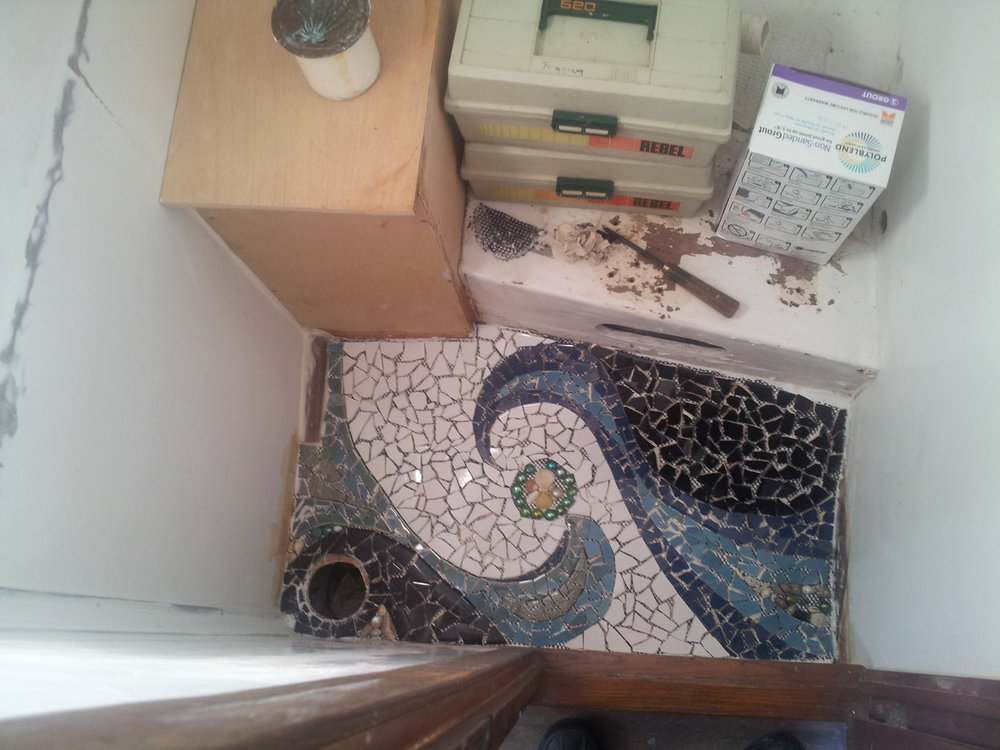 Bathroom_Mosaic_June2014 (11).jpg