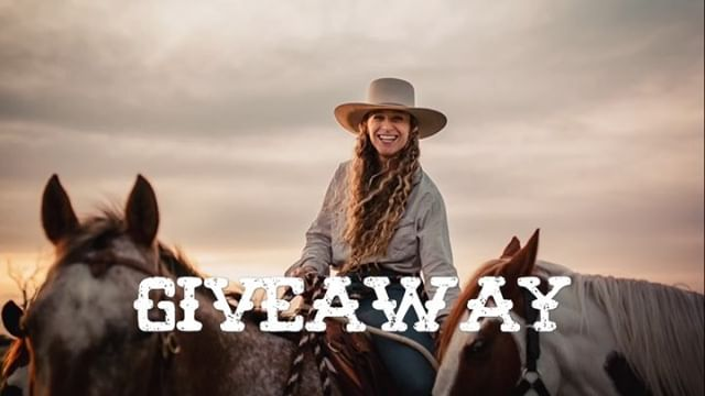 ***GIVEAWAY TIME!!!*** . For those of you who have been following this ride for a while, you will know the OBSESSION that both my horses and I have with Shapes. Life without Shapes is like a life without love, and because I love you guys I managed to find a company that would ship me a few precious 1oz snack packs. . 3 of you legends will get: - 1 x BBQ Shapes (our FAV) - 1 x Pizza Shapes - 1 x Chicken Crimpy Shapes . HOW TO ENTER 1. Make sure you're following @greengoldandblues (if you aren't already) 2. Tag two friends that you'd share Shapes with! (Multiple entries A-OK if you have more than two friends you'd share Shapes with!) . (US residents only. Giveaway is in no way endorsed or sponsored by Instagram or Shapes, I just wanted to share the magic of Shapes with you guys as a way of saying thanks for all your support ❤️ Giveaway will end Friday 5pm PST 3/22 and winners will be randomly selected and announced that night!) #shapes #giveaway #love #thanks #shapesbreak #greengoldandblues 📷 @capture_by_karen