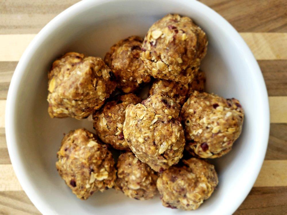 Peanut Butter Goji Berry Bites   Nutrition Information (serving size: 2 balls): CALORIES 156 CARBS 18 grams FIBER 3 grams FAT 7 grams PROTEIN 6 grams