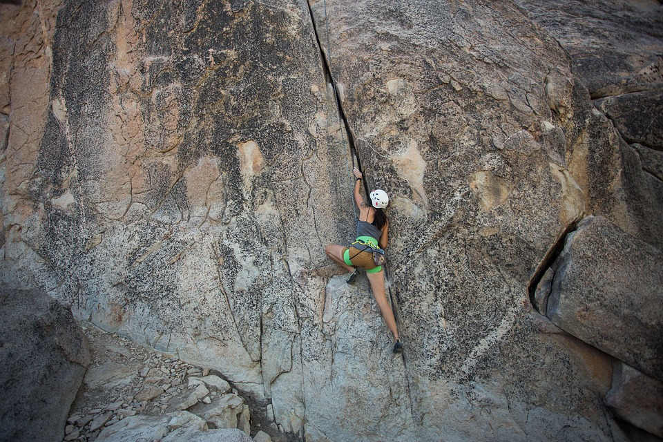 July 29-August 5 / Ages 13-18 / $950  Sport climbing with instruction emphasis on advanced climbing technique, safety, and gear management