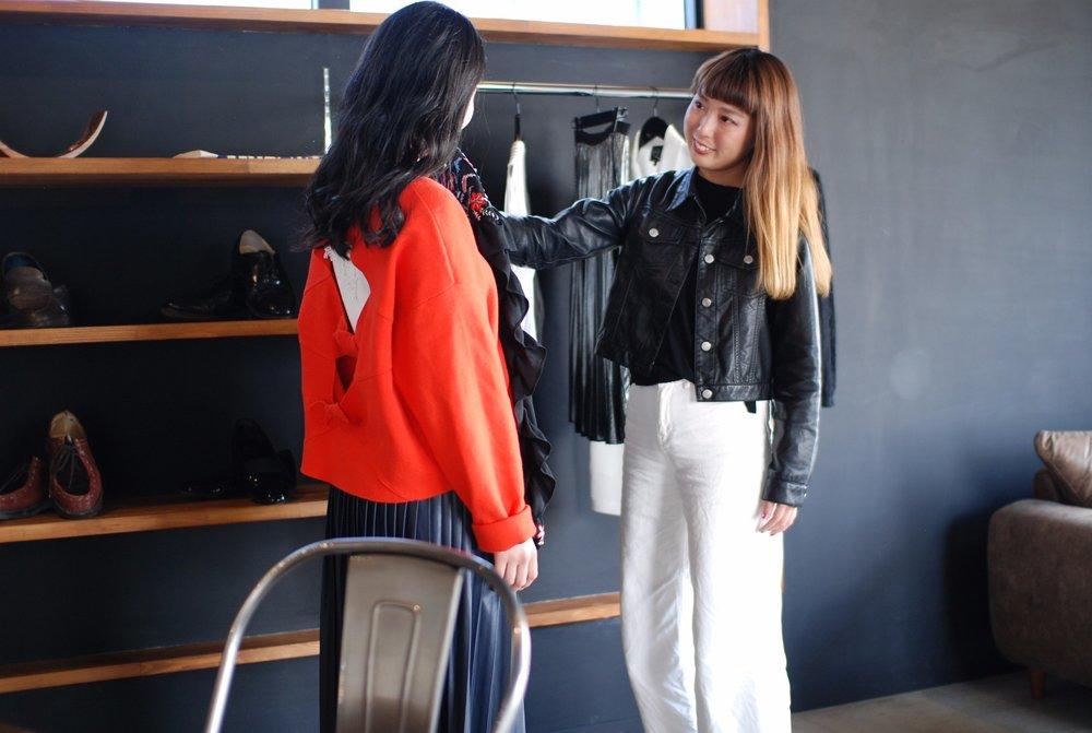 コーディネート - ワンパターンになりがちな私服をスタイリストがチェック!着回しの仕方やスタイルがよく見えるポイントなどをレクチャー。少ない服でも見せ方を知れば、バリエーションが増える=沢山の服はいらない、だから経済的です。